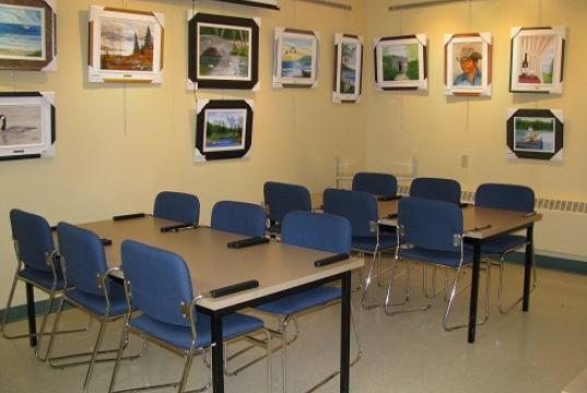 Salle d'exposition et/ou de lecture - Photo : Edith Martel